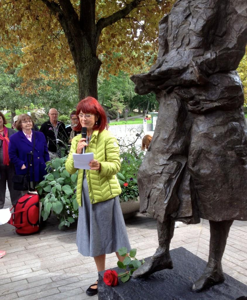 Marianne Enge Swartz berättar om insamlingen och hur det hela började